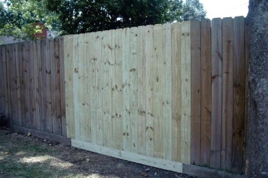replace-wooden-planks-on-a-section-of-a-wood-fence